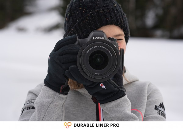 Photographer & Photography Gloves DURABLE LINER PRO from THE HEAT COMPANY with Canon Camera in Winter