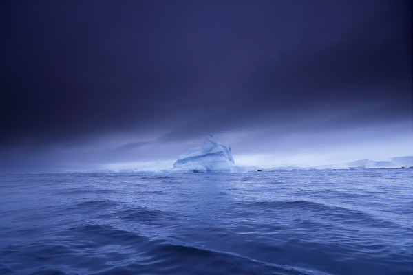 Landscape Photography of an Iceberg by French Photographer Stanley Leroux