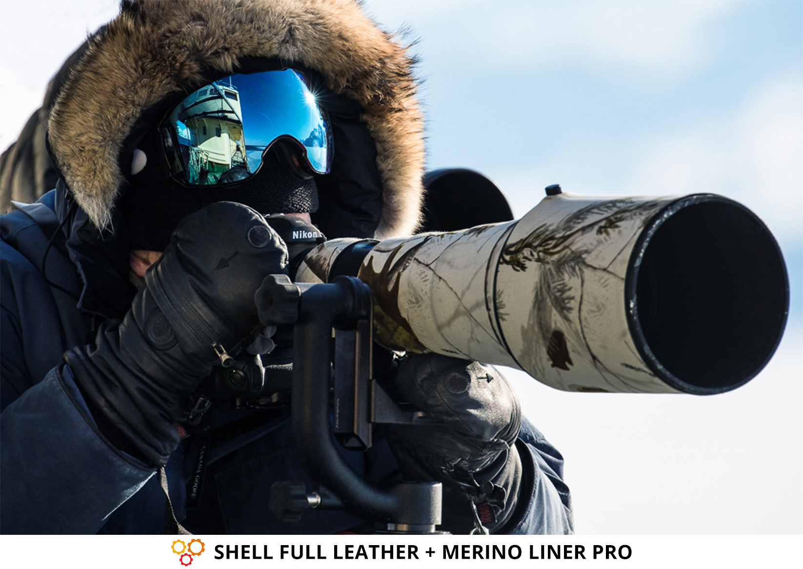 Photographe & gants cuir SHELL FULL LEATHER + gants merinos de THE HEAT COMPANY avec appareil photo Nikon