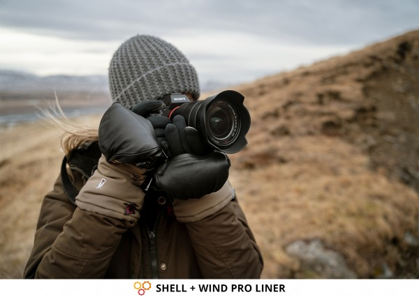 Landscape Photographer & Photography Gloves SHELL + WIND PRO LINER from THE HEAT COMPANY with Sony Camera